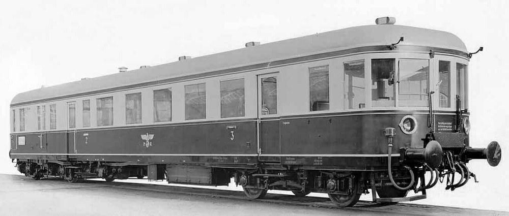 332-44703 Verbrennungstriebwagen BR VT13