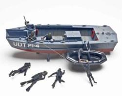 041-10313 Modell Boot mit UDT Frogmen Re