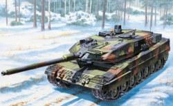 318-510006435 1:35 KPz Leopard II A6 Italeri