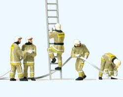 324-10771 Feuerwehrmänner Löschangriff P