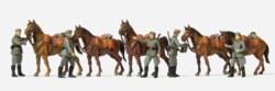 324-16607 Kavalleristen stehend. Pferde