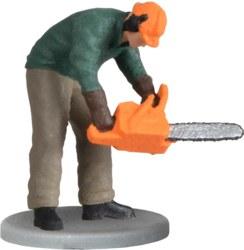 325-1548 Waldarbeiter mit Kettensäge, b